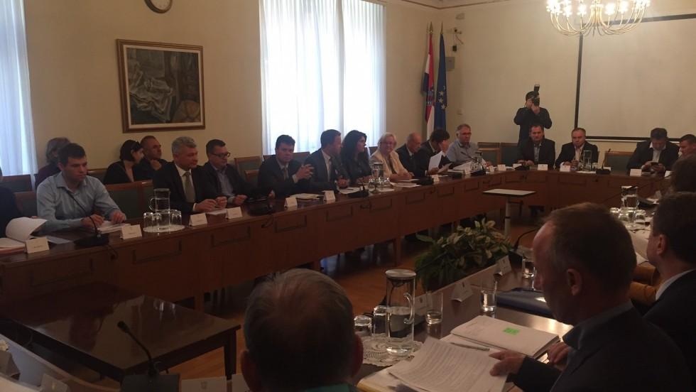 Održan sastanak o raspolaganju poljoprivrednim