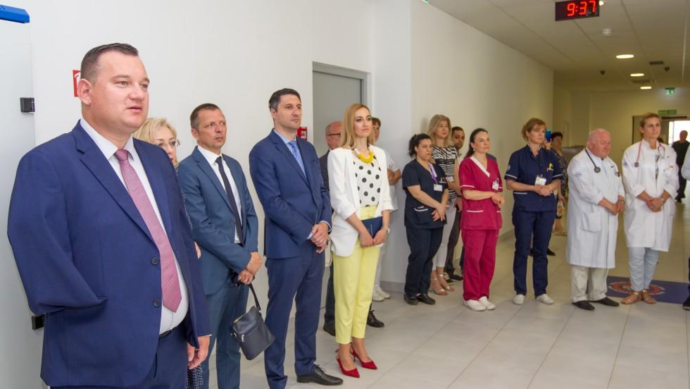 """Fotografije natječaja """"Volim svoju županiju"""" donirane Općoj bolnici Zadar"""